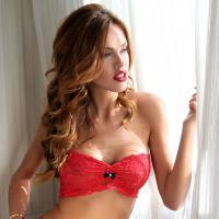Vanessa Lawrens (Les Anges 5) : égérie sexy pour la marque de lingerie Bomb Girl