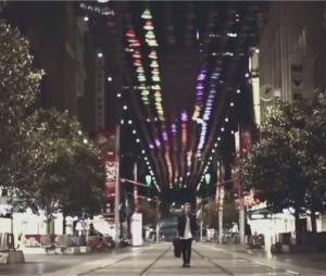 Cody Simpson dans le clip de Please Come Home For Christmas