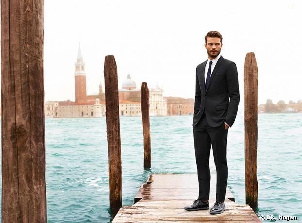 Jamie Dornan en costume à Venise pour la campagne printemps-été 2014 de la marque Hogan