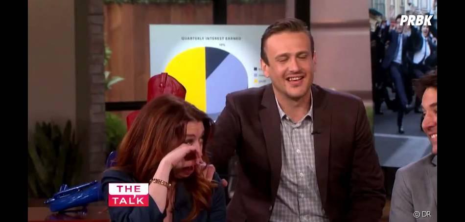 How I Met Your Mother : Jason Segel tente de réconforter Alyson Hannigan