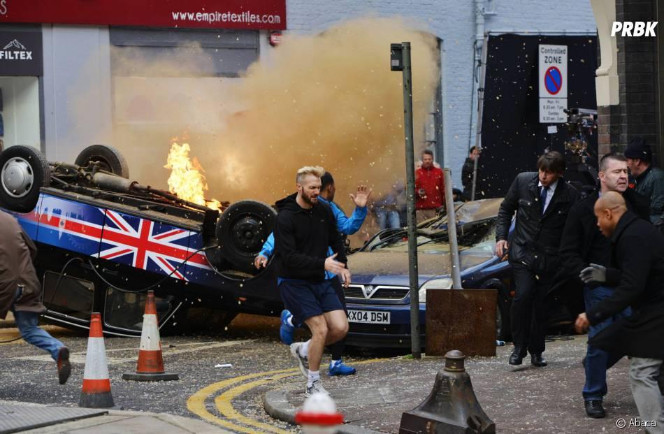 24 heures chrono saison 9 : voitures en feu sur le tournage à Londres, le 22 janvier 2014