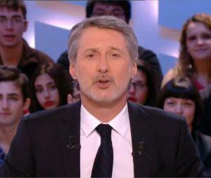 Antoine de Caunes insulte le lanceur de chats marseillais dans Le Grand Journal, le 3 janvier 2013