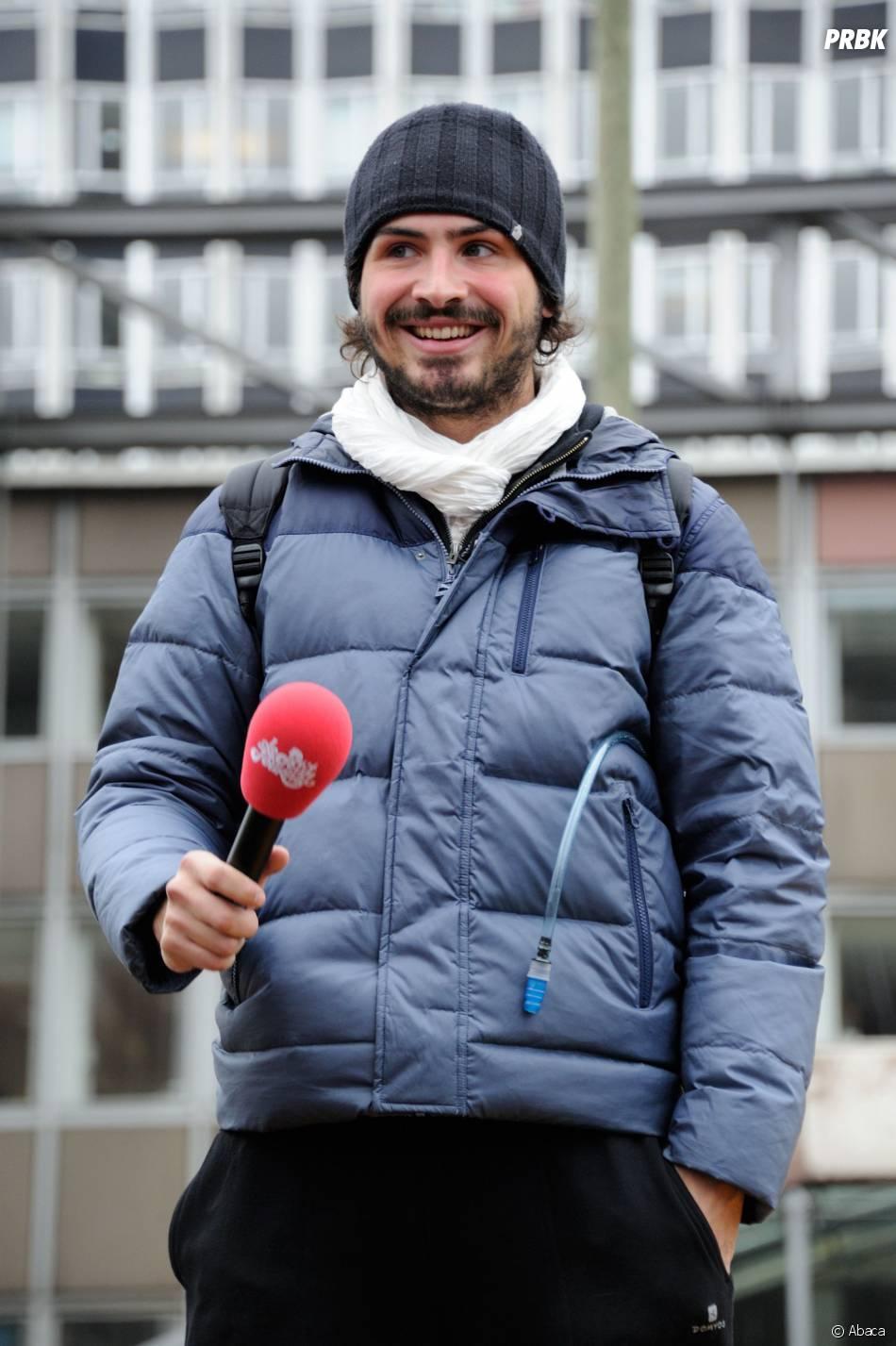 Maxime Musqua avec Jamel Debbouze et Toumi Djaidja à Montparnasse pour l'arrivée de la Marche du Petit Journal, le 20 novembre 2013