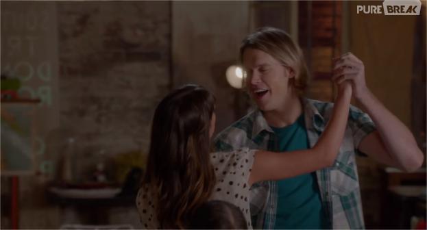 Glee saison 5 : Sam et Rachel en pleine danse dans l'épisode 6