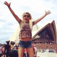Amélie Neten VS Caroline Receveur : guerre des blondes sur Twitter