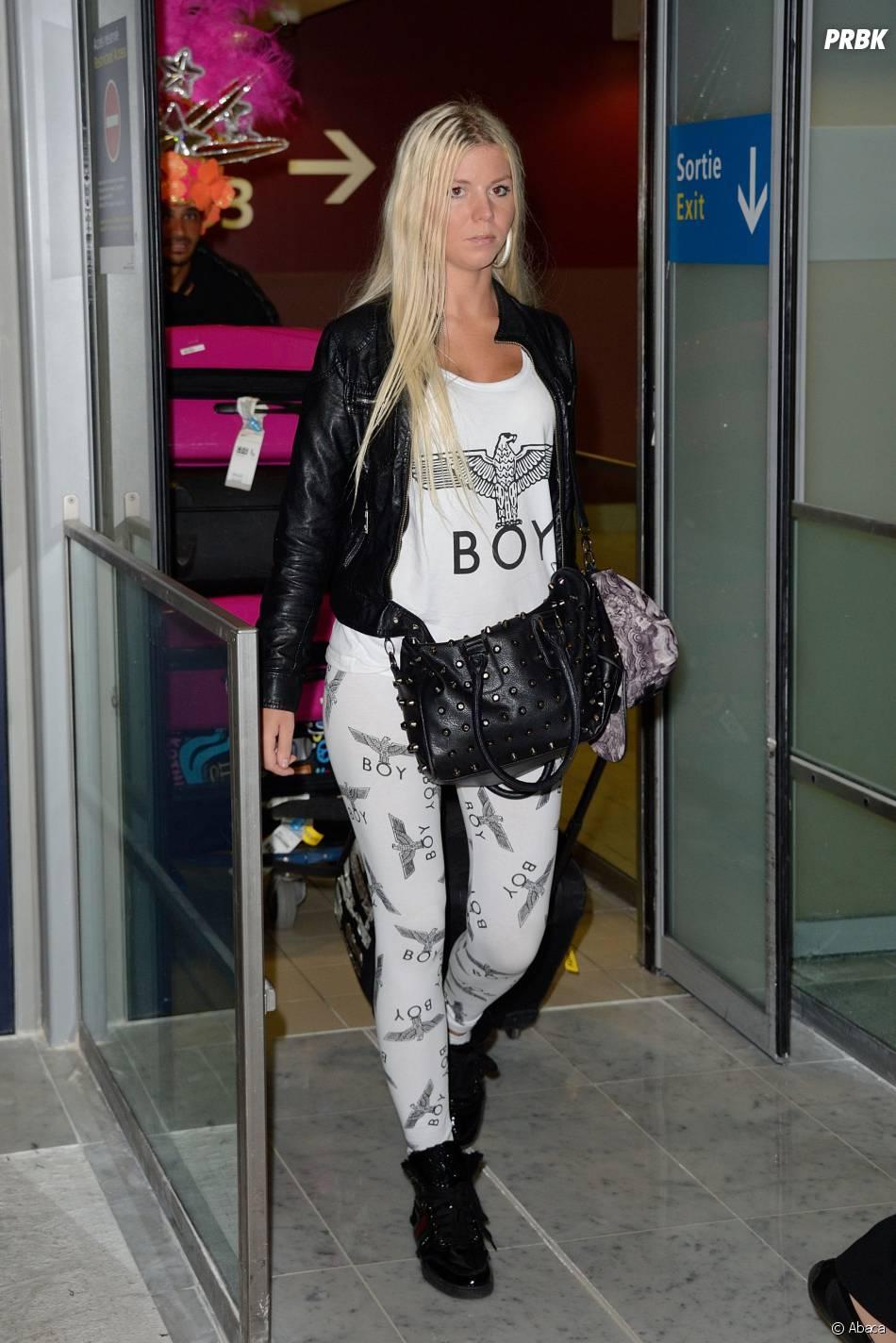 Les Marseillais à Rio : Jessica arrive à l'aéroport Charles-de-Gaulle, le 6 mars 2014
