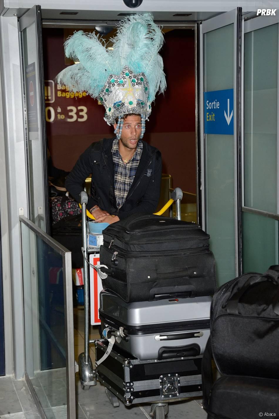 Les Marseillais à Rio : Paga à l'aéroport Charles-de-Gaulle, le 6 mars 2014