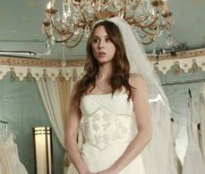 Pretty Little Liars saison 4, épisode 23 : Spencer en robe de mariée