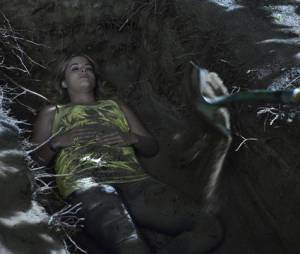 Pretty Little Liars saison 4, épisode 24 : qui a enterré Alison ?