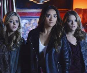 Pretty Little Liars saison 4, épisode 24 : Aria, Spencer, Alison, Emily et Hanna dans le final