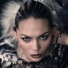 Sophie-Tith : Enfant d'ailleurs, le clip en attendant son premier album