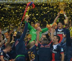 PSG : les joueurs fêtent la victoire en finale de la Coupe de la Ligue, le 19 avril 2014 au Stade de France