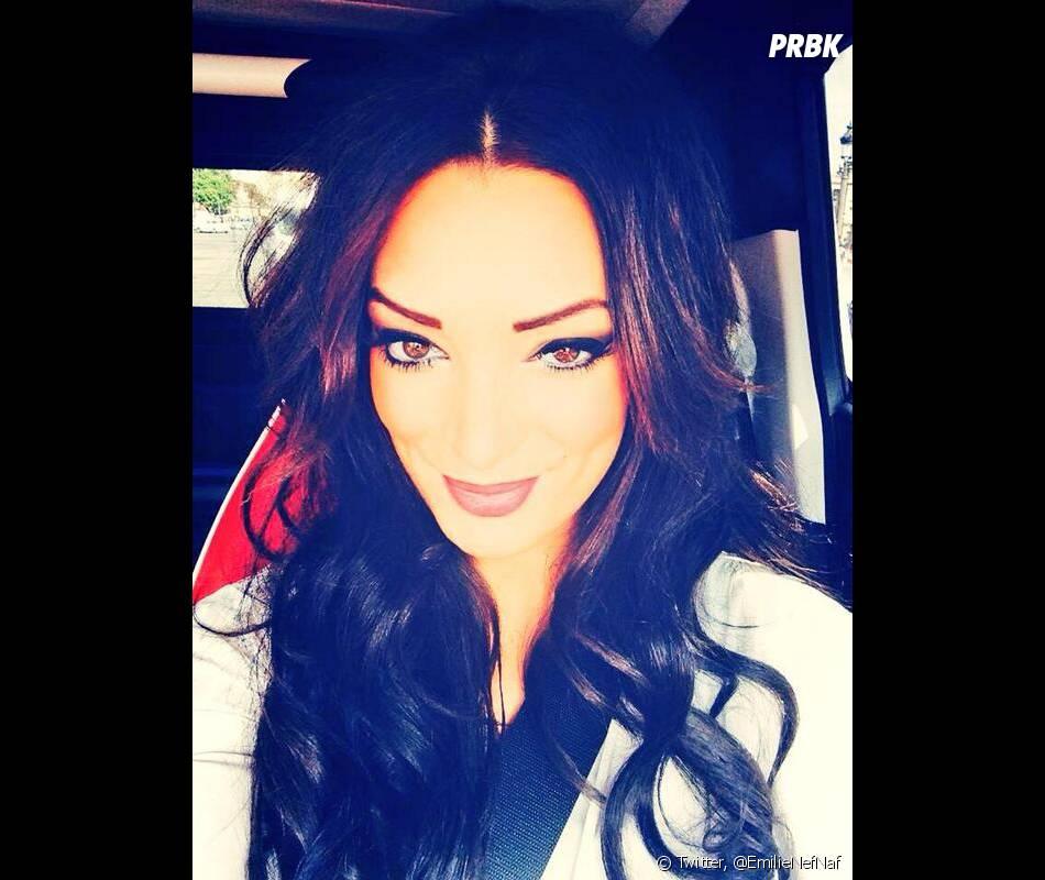 Emilie Nef Naf : selfie sur Twitter, le 10 avril 2014