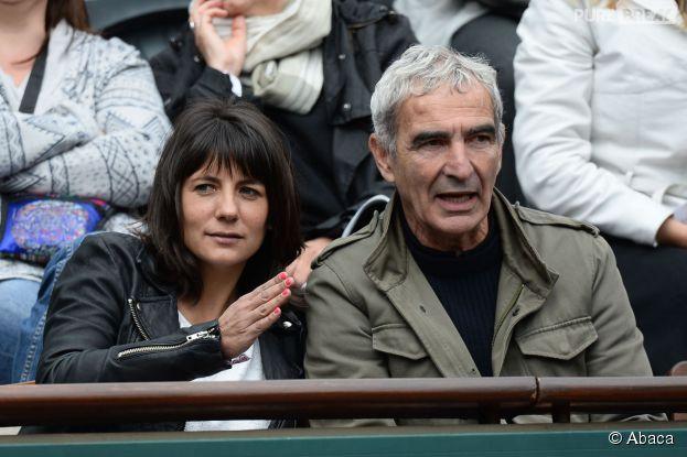 Estelle Denis et Raymond Domenech dans les tribunes de Roland Garros le 27 mai 2014