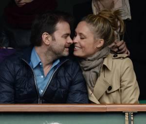 Clovis Cornillac amoureux dans les tribunes de Roland Garros le 27 mai 2014