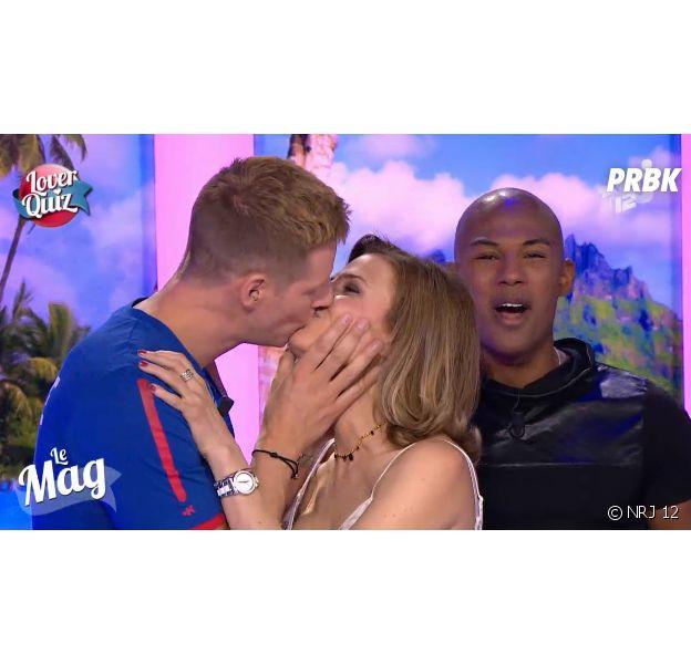 Matthieu Delormeau : bisou avec une actrice de Sous le soleil en direct dans Le Mag de NRJ 12, le 25 juin 2014