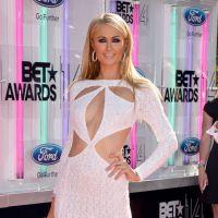 Paris Hilton décolletée, Usher façon Davy Crockett... aux BET Awards 2014