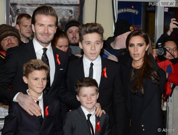 """Brooklyn Beckham et ses célèbres parents à l'avant-première du film """"The Class of 92"""", le 1er décembre 2013"""