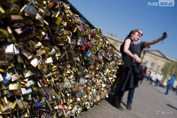 Paris les cadenas de l 39 amour remplac s par des selfies - Le pont de lamour a paris ...