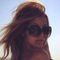 Zahia Dehar entièrement nue : ses courbes titillent ses fans sur Facebook