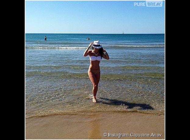 Capucine Anav se dévoile en bikini sexy, le 18 août 2014 sur Instagram