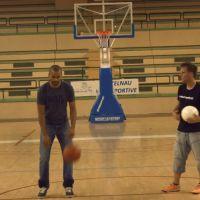 Rémi Gaillard lance un défi à Tony Parker dans une incroyable vidéo