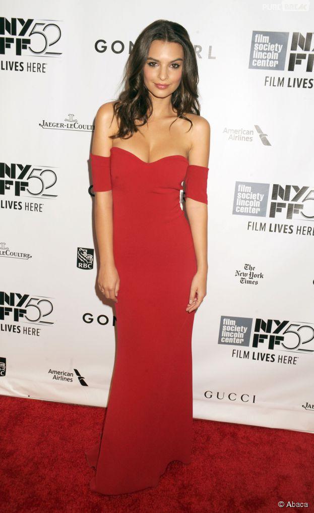 Emily Ratajkowki décolletée pour l'avant-première de Gone Girl le 26 septembre 2014 à New York