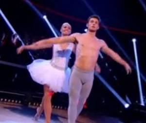 Brian Joubert en collant moulant dans Danse avec les stars 5 sur TF1
