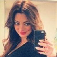 Emilie Nef Naf enceinte : joli ventre de future maman à 1 mois de l'accouchement