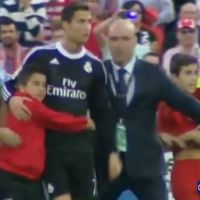 Cristiano Ronaldo : câlin émouvant avec un enfant à Getafe