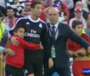 Cristiano Ronaldo : câlin avec un enfant supporter de Getafe