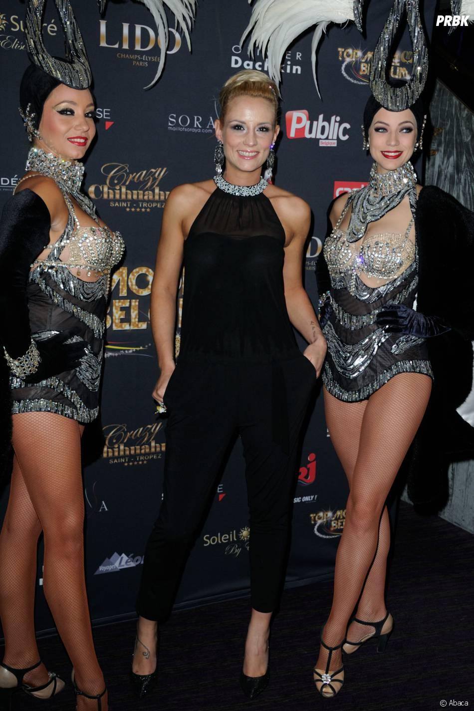 Elodie Gossuin prend la pose pour la finale de Top Model Belgium, le 23 novembre 2014 au Lido à Paris