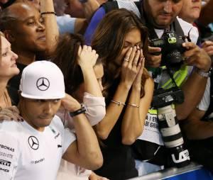 Nicole Scherzinger émue après la victoire de Lewis Hamilton, le 23 novembre 2014 à Abou Dhabi