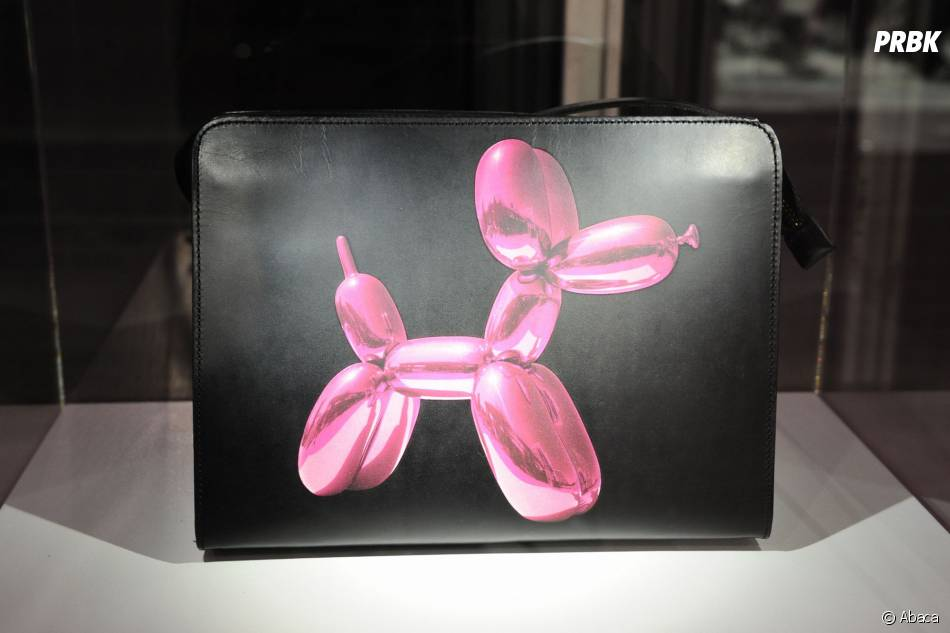 Le sac Jeff Koons pour H&M dévoilé le 9 décembre 2014 au Centre Pompidou