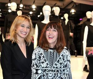 Pauline Lefèvre et Daphné Bürki à la soirée Jeff Koons pour H&M, le 9 décembre 2014 au Centre Pompidou
