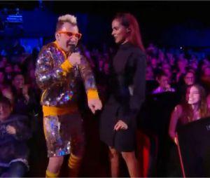 Shy'm et Michael Youn en Fatal Bazooka : reprise de Et Alors ? aux NMA 2014 sur TF1
