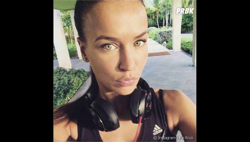 Julie Ricci : séance de sport pendant ses vacances à Punta Cana en janvier 2015