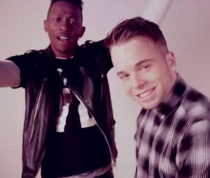 MA2X et Kevin Ekoman s'amusent dans le clip Happy Today