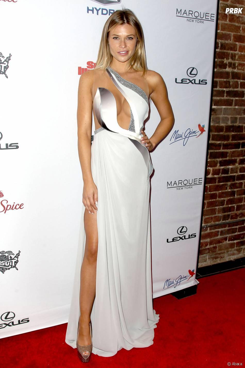 """Samantha Hoopes à la soirée Sports Illustrated dédiée au numéro """"spécial bikini"""" 2015, le 10 février 2015"""