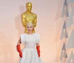 Lady Gaga sur le tapis rouge des Oscars, le 22 février 2015 à Los Angeles