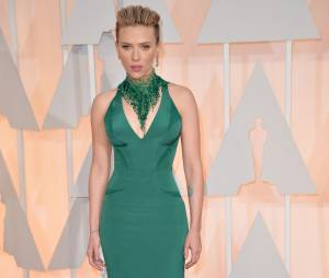Scarlett Johansson sur le tapis rouge des Oscars, le 22 février 2015 à Los Angeles