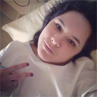 Magalie Vaé : selfie depuis son lit d'hôpital