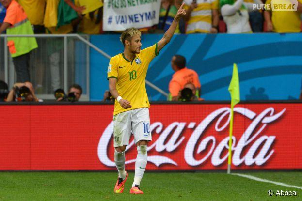 Neymar brille autant sur le terrain qu'en dehors