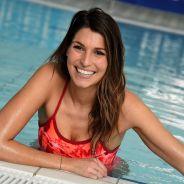 Laury Thilleman sexy en maillot de bain pour la bonne cause