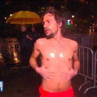 Bertrand Chameroy torse nu pour une douche improvisée dans TPMP