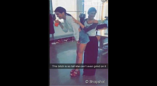 Kendall Jenner et Kylie Jenner : sexy et déjantées dans des vidéos Snapchat, avril 2015