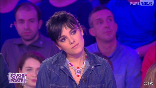 Alizée sur le plateau de Touche pas à mon poste, le 8 avril 2015