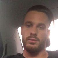 """Raphaël (Les Anges 7) : après les insultes et le crachat contre """"des fans"""", les explications"""