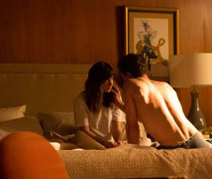 Fifty Shades of Grey :  Jamie Dornan et Dakota Johnson sur une image extraite du film