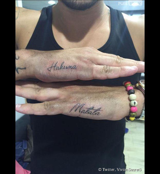 Vivian les anges 7 son nouveau tatouage inspir du roi - Tatouage hakuna matata ...